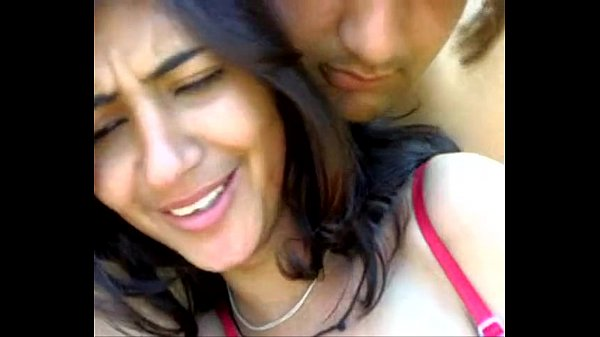 Cute Indian girlfriend boobs sucked and kissed